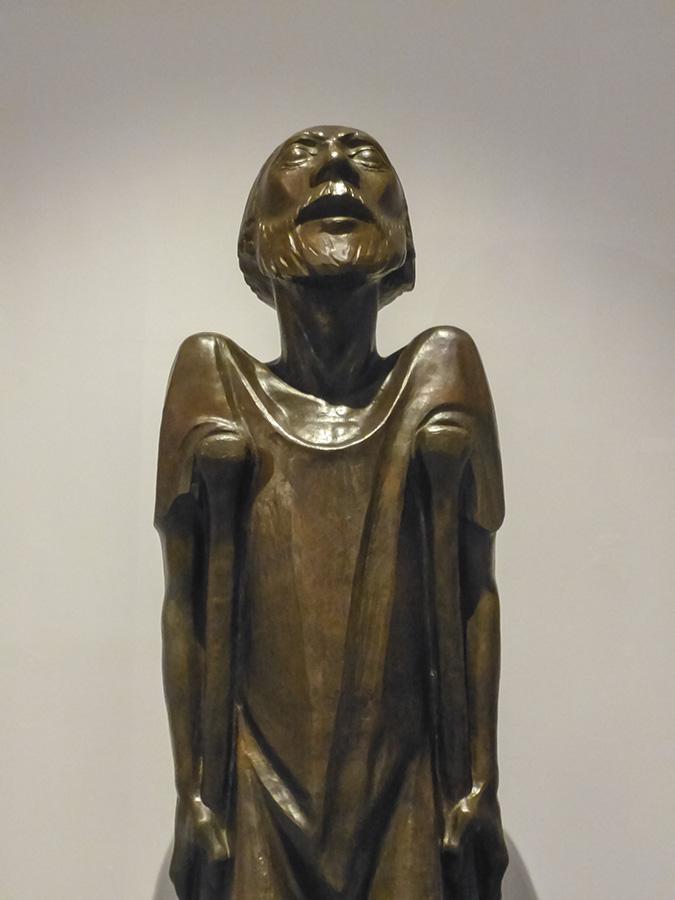 """Detalle de """"El Mendigo"""" (Der Bettler, 1930) de Ernst Barlach"""